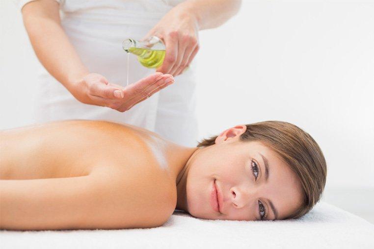 Как сделать массаж спины мужчине (видео уроки по) 35