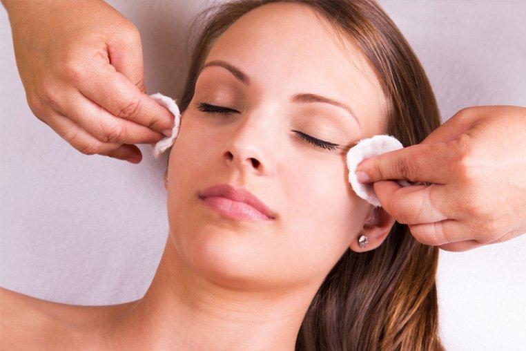 Подкожный клещ на лице: лечение