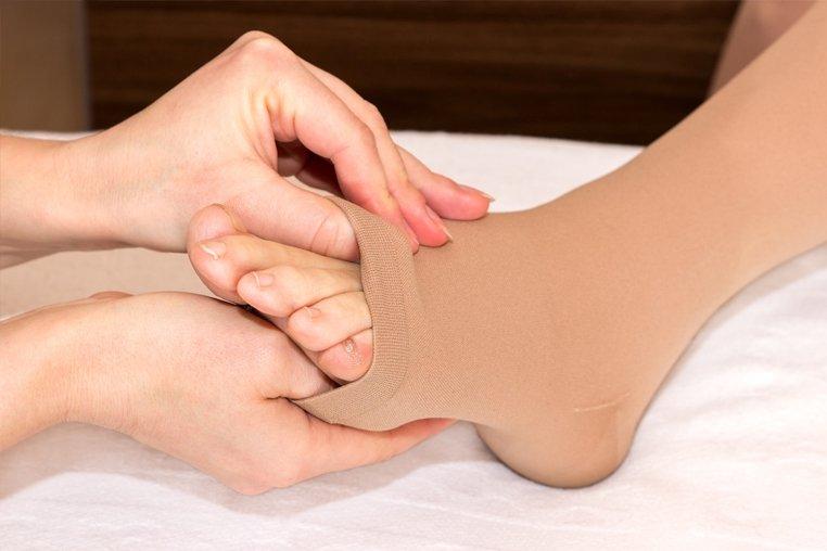 Круговых движений в голеностопных суставах 3 после трудового дня массируйте квота на эндопротезирование тазобедренного сустава в санкт-петербурге