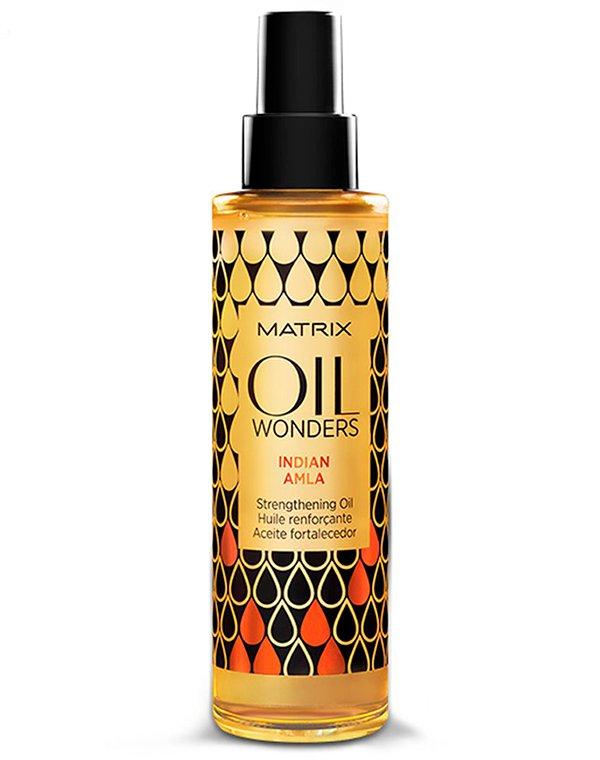 Масло укрепляющее Индийское Амла Oil Wonders Indian Amla MatrixМасла от секущихся кончиков<br>Укрепляющее масло «Индийский Амла». Восстанавливает структуру волосяной кутикулы, сглаживает несовершенства, позволяет укрепить волосы и повышает их способность к изломам.<br><br>Бренды: Matrix<br>Вид товара: Масло для волос<br>Область ухода: Волосы<br>Назначение: Увлажнение и питание, Восстановление волос<br>Тип кожи, волос: Осветленные, мелированные, Окрашенные, Вьющиеся, Сухие, поврежденные, Нормальные, Тонкие<br>Косметическая линия: Линия Oil Wonders ухода на основе экзотических масел