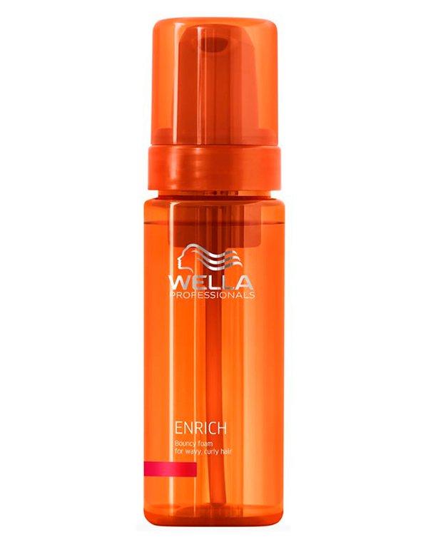 Мусс питательный для вьющихся и завитых волос WellaБальзамы для сухих волос<br>Мусс насыщает волосы влагой, возвращает живой блеск и эластичность вьющимся и завитым волосам.<br><br>Бренды: Wella Professional<br>Вид товара: Спрей, мусс<br>Область ухода: Волосы<br>Назначение: Увлажнение и питание, Для завивки, Для объема<br>Тип кожи, волос: Осветленные, мелированные, Окрашенные, Вьющиеся, Сухие, поврежденные, Жирные, Нормальные, Тонкие<br>Косметическая линия: Линия Wella Enrich Line питания и увлажнения
