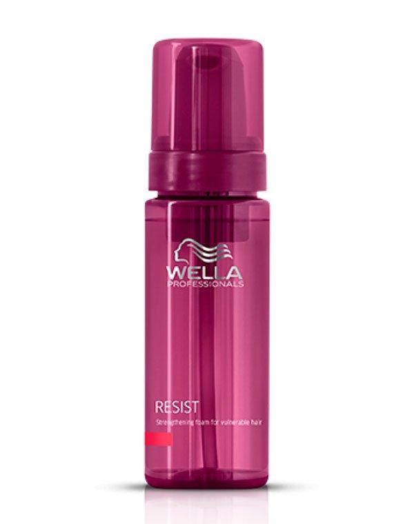 Сыворотка, флюид Wella ProfessionalСыворотки для восстановления волос<br>Эмульсия для укрепления слабых и истонченных волос. Замедляет процессы старения.<br><br>Бренды: Wella Professional<br>Вид товара: Сыворотка, флюид, Несмываемый уход, защита<br>Область ухода: Волосы<br>Назначение: Увлажнение и питание<br>Тип кожи, волос: Сухие, поврежденные, Тонкие<br>Косметическая линия: Линия Wella Age Line Антивозрастная для волос