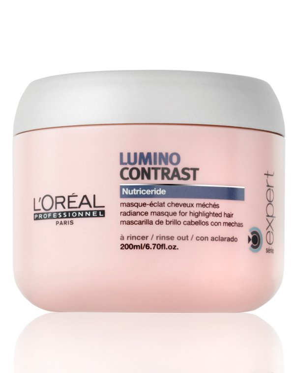 Маска - сияние Lumino Contrast Serum LorealМаски для окрашеных волос<br>Маска предназначена для глубокого питания осветленных и мелированных прядей. Она регулирует водно-жировой баланс, придавая прическе дополнительный блеск.<br><br>Бренды: Loreal Professional<br>Вид товара: Маска для волос<br>Область ухода: Волосы<br>Назначение: Увлажнение и питание<br>Тип кожи, волос: Осветленные, мелированные, Окрашенные, Вьющиеся, Сухие, поврежденные, Тонкие<br>Косметическая линия: Линия Lumino Contrast Serum для блеска волос