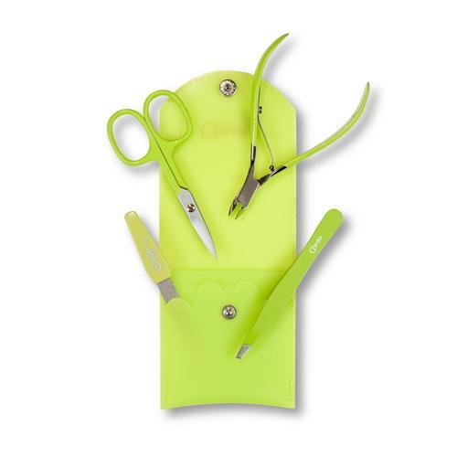 Маникюрный набор из 4 предметов Credo SILICONE POP ARTИнструменты для маникюра<br>Маникюрный набор из 4-х предметов в силиконовом чехле   это не только удобство и великолепное оформление, но и возможность выбрать один из трех вариантов цветового оформления.<br><br>Бренды: Solingen CREDO<br>Вид товара: Инструмент для маникюра<br>Область ухода: Руки, Ногти<br>Назначение: Придание формы ногтям, Удаление огрубевшей кожи<br>Цвет: Розовый
