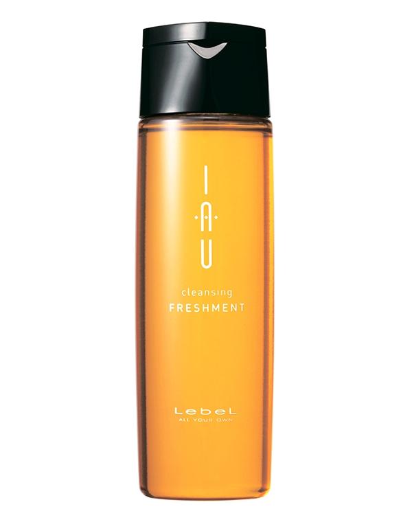 Шампунь LebelШампуни для сухих волос<br>Аромашампунь для глубокого очищения волос и кожи головы. Обладает противовоспалительным действием.<br><br>Бренды: Lebel<br>Вид товара: Шампунь<br>Область ухода: Волосы<br>Назначение: Очищение волос<br>Тип кожи, волос: Жирные<br>Косметическая линия: Линия IAU Infinity aurum home инновационные стандарты домашнего ухода<br>Объем мл: 200
