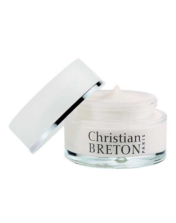 Крем Christian BretonКрема для восстановления кожи лица<br>Осветление пигментных пятен, защита от внешних воздействий  и мощное увлажнение кожи любого типа.<br><br>Бренды: Christian Breton<br>Вид товара: Крем<br>Область ухода: Лицо<br>Назначение: Ежедневный уход, Осветление и пигментация<br>Тип кожи, волос: Сухая, Увядающая, Жирная и комбинированная, Нормальная, Чувствительная, С куперозом<br>Возрастная группа: Более 40, До 30, До 40