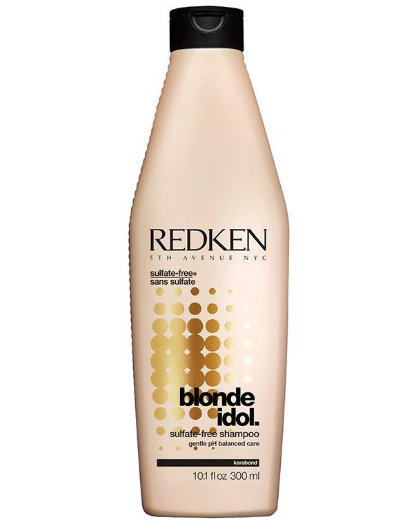 Шампунь Blonde Idol восстанавливающий для светлых волос RedkenШампуни для окрашеных волос<br>Шампунь разработан для блондированных прядей. Он идеален для частого применения. Активная формула препарата содержит кератиновый комплекс, вытяжку из листьев фиалки, молочную кислоту. Она оказывает укрепляющее действие на локоны. Шампунь усиливает естеств...<br><br>Бренды: Redken<br>Вид товара: Шампунь<br>Область ухода: Волосы<br>Назначение: Увлажнение и питание, Защита от солнца, Восстановление и защита<br>Тип кожи, волос: Окрашенные, Осветленные, мелированные<br>Косметическая линия: Линия Blonde Idol для светлых волос