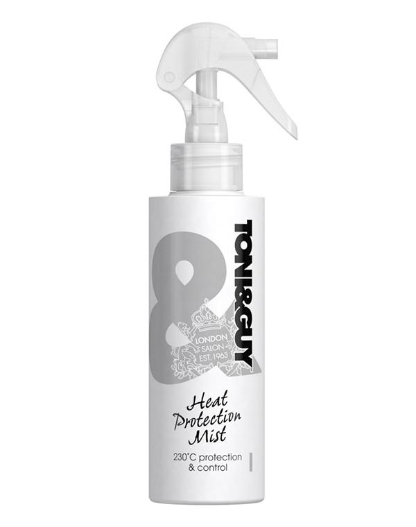 Спрей, мусс Tony&amp;GuyСпрей для волос<br>Обеспечивает надежную защиту волос во время укладки горячим способом. Придает им дополнительный блеск и мягкость.<br><br>Бренды: Tony&amp;amp;Guy<br>Вид товара: Спрей, мусс<br>Область ухода: Волосы<br>Назначение: Стайлинг, Термозащита, Восстановление и защита<br>Тип кожи, волос: Осветленные, мелированные, Окрашенные, Вьющиеся, Сухие, поврежденные, Жирные, Нормальные, Тонкие