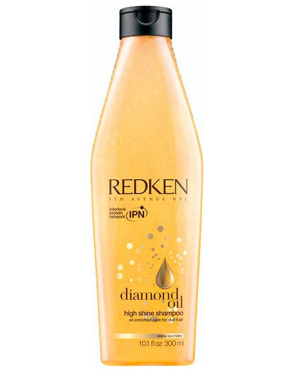 Шампунь RedkenШампуни для лечения волос<br>Шампунь включает целый коктейль полезных масел. Активные вещества укрепят тонкие и ослабленные волосы, наполнят их силой изнутри. Прическа будет выглядеть здоровой и сияющей!<br><br>Бренды: Redken<br>Вид товара: Шампунь<br>Область ухода: Волосы<br>Назначение: Увлажнение и питание, Восстановление волос<br>Тип кожи, волос: Нормальные, Тонкие<br>Косметическая линия: Линия Diamond Oil с ухаживающими маслами для тонких и нормальных волос