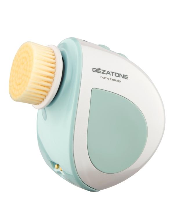 Массажер, аппарат GEZATONEУльтразвуковая щетка для лица<br>Щетка –массажер Gezatone эффективно и бережно очищает кожу от загрязнений, отмерших клеток эпидермиса и остатков макияжа. Роликовый массаж мо...<br><br>Бренды: GEZATONE<br>Вид товара: Массажер, аппарат<br>Область ухода: Лицо, Шея и подбородок<br>Назначение: Пилинг, Очищение и демакияж, Коррекция морщин и лифтинг, Ежедневный уход, Массаж лица<br>Тип кожи, волос: Сухая, Увядающая, Жирная и комбинированная, Нормальная, Чувствительная, С куперозом<br>Возрастная группа: Более 40, До 30, До 40<br>Метод воздействия: Брашинг, Механический массаж