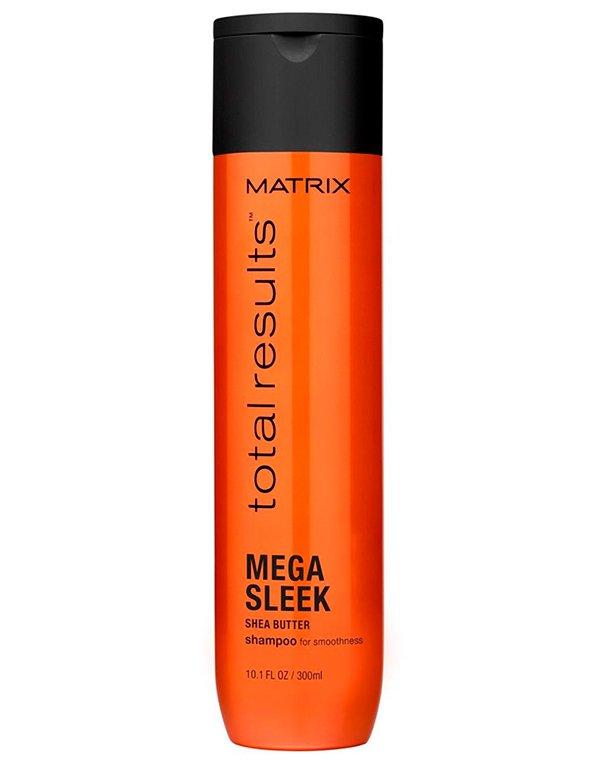 Шампунь MatrixШампуни для окрашеных волос<br>Шампунь мгновенно разглаживает волосы, делает их послушными и максимально гладкими. Подходит для ухода за жесткими и волнистыми волосами. Насыщает их естественным блеском.<br><br>Бренды: Matrix<br>Вид товара: Шампунь<br>Область ухода: Волосы<br>Назначение: Выпрямление<br>Тип кожи, волос: Осветленные, мелированные, Окрашенные, Сухие, поврежденные<br>Косметическая линия: Линия Total Results Mega Sleek для гладкости волос<br>Объем мл: 1000