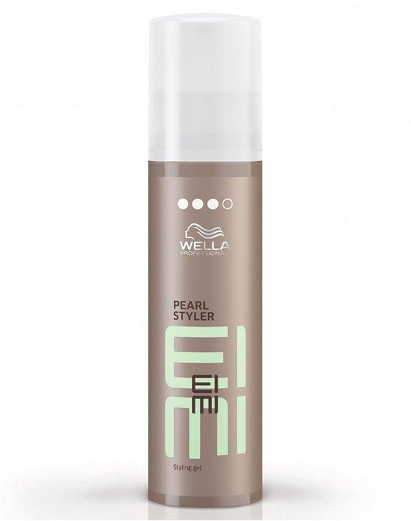 Гель, воск Wella ProfessionalГель для волос<br>Гель сильной фиксации для модерирования четкий и структурных прядей на волосах всех типов.<br><br>Бренды: Wella Professional<br>Вид товара: Гель, воск<br>Область ухода: Волосы<br>Назначение: Стайлинг<br>Тип кожи, волос: Осветленные, мелированные, Окрашенные, Вьющиеся, Сухие, поврежденные, Нормальные, Тонкие<br>Косметическая линия: Линия Wella Eimi стайлинга