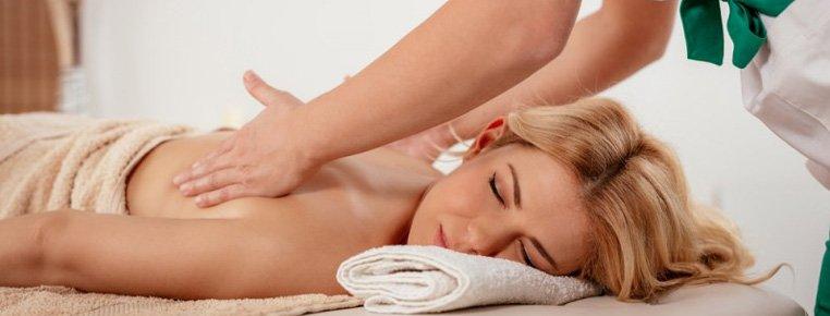 Как сделать массаж спины мужчине (видео уроки по) 5